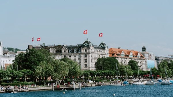 Swiss SMEs Are Increasingly Sold Abroad – A Blessing or a Curse?